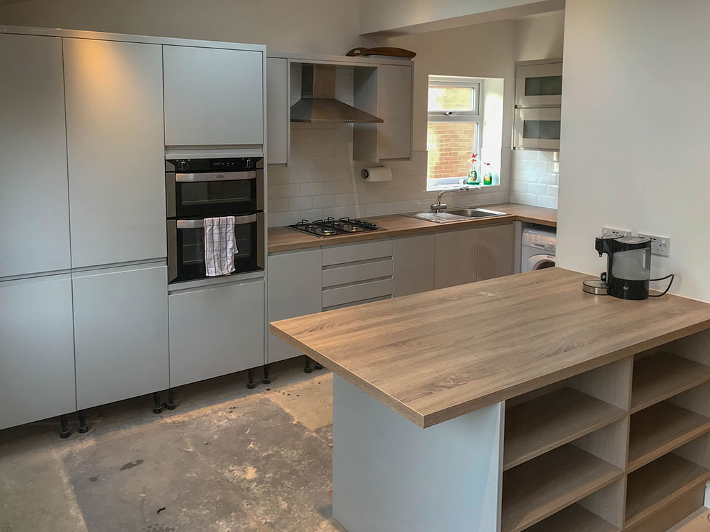 Our kitchens are designed, manufactured and delivered right here in the UK – that way you pay less!